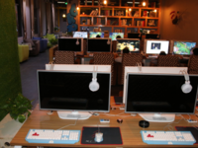 双飞燕光轴  打造网咖逼格游戏专区