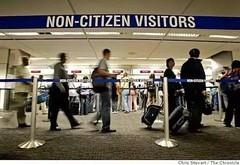 入境答错题被扣押 美国入境检查严格 移民政策收缩