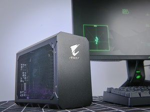 技嘉RTX 2070 GAMING BOX图赏
