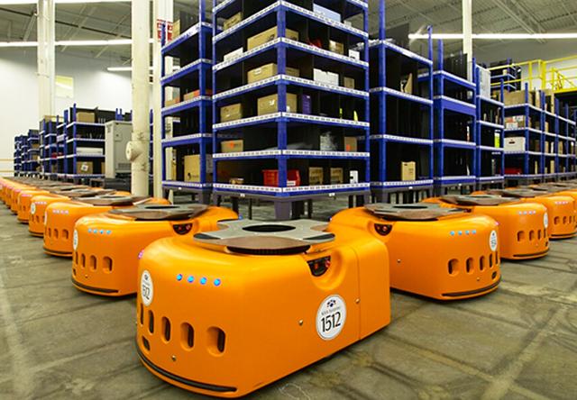 揭秘亚马逊新仓库:人机的高效融合