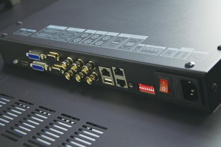 功能测评:海康威视1080P LCD液晶显示单元