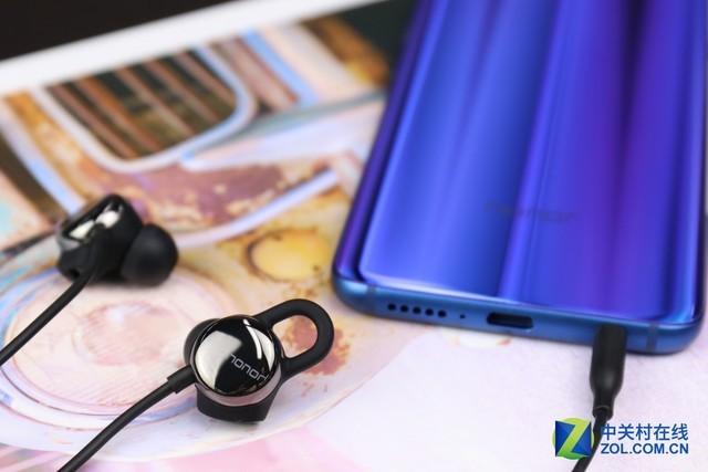 你的心情TA最懂 荣耀心晴耳机首发评测