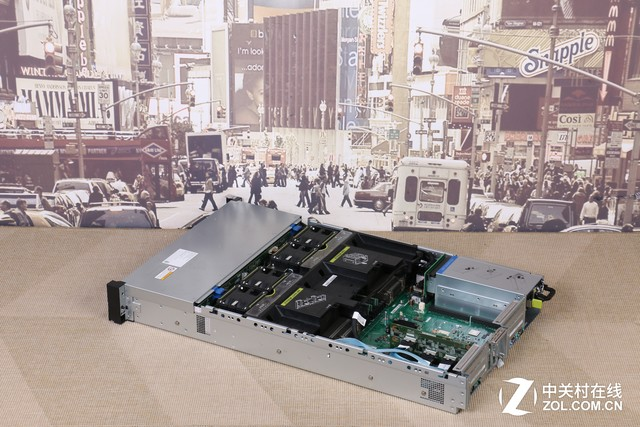 极致IO体验 华为RH2288H V3服务器评测